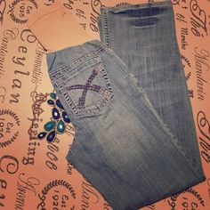 """Maternity jeans distressed size small 31"""" inseam Maternity jeans distressed size small 31"""" inseam. Get used by lexi brand. So cute and trendy. EUC preloved.Shop with us to dress your bump for less  Bundle me for savings! Get used by Lexi Jeans Flare & Wide Leg"""