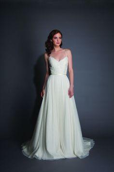 21 Fantastic Spaghetti Strap Wedding Dresses That You???re Going to Flip For