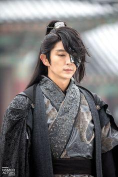 Lee Joon Gi / Scarlet Heart: Ryeo                                                                                                                                                                                 More