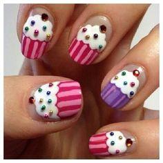 Cupcake nails manicure