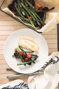 Wir starten mit einem richtig leckeren Ofen Spargel in die Spargelsaison 🤗. Dazu gibt es eine vegane Polenta. Das Rezept und viele weitere Gerichte findet ihr auf unserem Blog 😉. Polenta, Camembert Cheese, Dairy, Blog, Proper Tasty, Vegane Rezepte, Easy Meals, Blogging