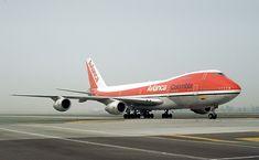 Luxury Jets, Boeing 747 200, Aircraft Photos, Cool Photos, Pista, Air Travel, Gliders, Spacecraft, Instrumental