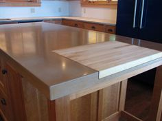 Remodeling Kitchen Countertops Love the idea of making a nice pine cutting board or guest bar cut out in the concrete counter Diy Concrete Countertops, Outdoor Kitchen Countertops, Concrete Cement, Plywood Countertop, Plywood Floors, Stained Concrete, Concrete Floors, Laminate Flooring, New Kitchen