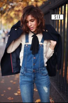 Just because it's fall doesn't mean you have to pack away those overalls! 7 tips on how to transition them into fall