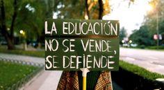 todos deberíamos saber que la educacion es muy importante, que todos deveriamos recibir una buena educacion y que no deberían existir las personas analfabetas.  #Laeducaciónnosevendesedefiende