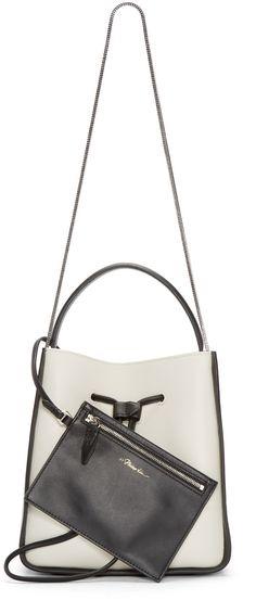 e85fa35ca3f 66 รูปภาพที่ยอดเยี่ยมที่สุดในบอร์ด stingray bag   Clutch bags Clutch ...
