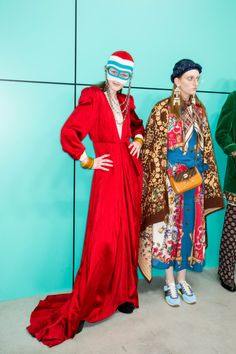 See all the Backstage photos from Gucci Autumn/Winter 2018 Ready-To-Wear now on British Vogue Carolina Herrera Dresses, Gucci, Fall Winter, Autumn, Backstage, Catwalk, Ready To Wear, Womens Fashion, How To Wear