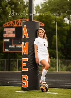 #Senior #Photography #Soccer Soccer Senior Pictures, Soccer Poses, Sports Pictures, Grad Pictures, Soccer Photography, Senior Girl Photography, Senior Ads, Senior Girls, Girls Soccer