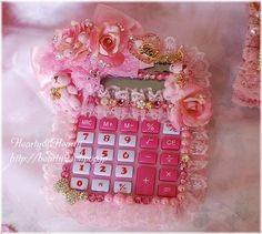 It would make having to do math actually FUN ♥u♥ its so appealing to the eye omw! Cute Crafts, Diy And Crafts, Arts And Crafts, Kawaii Phone Case, Kawaii Diy, Diy Back To School, Kawaii Jewelry, Cute Clay, Cute Stationery