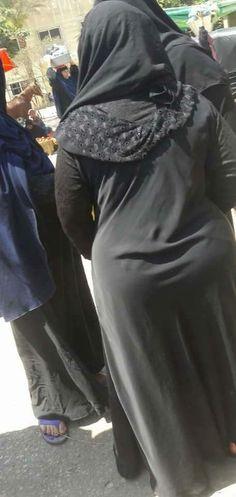 Arab Girls Hijab, Girl Hijab, Muslim Girls, Beautiful Arab Women, Beautiful Hijab, Niqab, Arabian Beauty Women, Saree Backless, Indian Actress Images