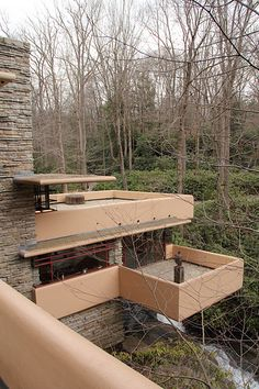 Fallingwater, Frank Lloyd Wright - a view I've never seen! Organic Architecture, Beautiful Architecture, Residential Architecture, Art And Architecture, Architecture Details, Falling Water Frank Lloyd Wright, Frank Lloyd Wright Homes, Falling Water House, Falling Waters