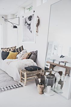 Here we showcase a a collection of perfectly minimal interior design examples for you to use as inspiration.Check out the previous post in the series: 24 Interior Design Examples, Scandinavian Interior Design, Home Interior, Scandinavian Living, Design Ideas, Design Projects, Decoration Inspiration, Room Inspiration, Decor Ideas