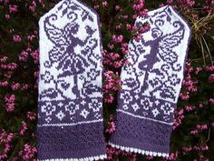 Ravelry: Garden fairies pattern by JennyPenny Knitted Mittens Pattern, Knit Mittens, Knitted Gloves, Knitting Socks, Knitting Patterns, Knitting Ideas, Fingerless Mittens, Wrist Warmers, Knitting Accessories