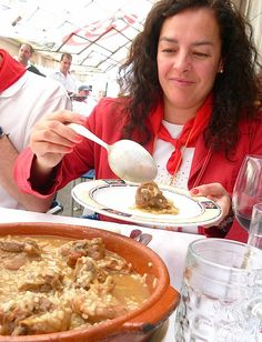Serving famous hen stew at Bar Baviera. Made from family recipe. My Favorite Food, Favorite Recipes, Pamplona, Family Meals, Stew, Spain, Bar, Ethnic Recipes, Gastronomia