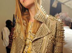 Oh god!! I need this Jacket!!!