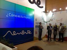 """Presentación de la campaña promocional turística """"Cómo es tu mundo"""" en el stand de #Almonte a cargo del Alcalde de Almonte, José Antonio Domínguez . #Fitur2013 #RocíoJubilar"""