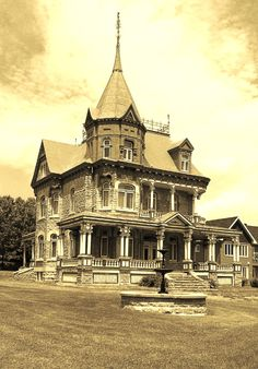 Chateau Richard, Construction 1907  in Ange Gardien Quebec, Canada