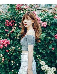 korean fashion casual street simple asian grid skirt off the shoulder grey shirt top Korea Fashion, Asian Fashion, Girl Fashion, Ulzzang Fashion, Ulzzang Girl, Korean Beauty, Asian Beauty, Korean Girl, Asian Girl