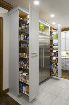 Mind-blowing Kitchen Pantry Design Ideas for Your Inspiration - Kitchen Pantry Cabinets Small Kitchen Pantry, Kitchen Pantry Design, Kitchen Pantry Cabinets, Diy Kitchen Storage, Modern Kitchen Design, Home Decor Kitchen, Interior Design Kitchen, Kitchen Furniture, Kitchen Ideas