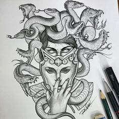 Almost there. Medusa WIP. Inspirado na arte de João Bosco #sketchoftheday #sketch #drawing #desenho #medusa #smiteart #snakes #serpentes #mask #blackandgrey #pencils #rafaelwada