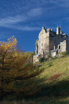 Neidpath Castle, Peebles, Scotland. While an early castle was built here by Sir Simon Fraser (Fraser Clan) around 1263, the Hay family acquired the land through marriage to a Fraser heiress in the early 14th century, at which point Neidpath Castle was constructed. The stone four storey L-plan tower house, was probably founded by Sir William Hay. Neidpath was visited by Mary Queen of Scots in 1563 and her son James VI in 1587.