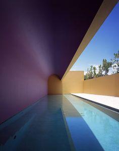 """""""El color no es la esencia de mi arquitectura, es una herramienta que uso a mi manera; la esencia de mi obra está en los espacios, son las proporciones, esa es la parte fundamental y más difícil de…"""