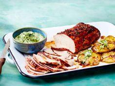 Unser beliebtes Rezept für Schweinebraten mit zerdrückten Kartoffeln und mehr als 55.000 weitere kostenlose Rezepte auf LECKER.de.