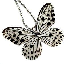 Afbeeldingsresultaat voor vlinders in polymer clay Polymer Clay Projects, Polymer Clay Crafts, Polymer Clay Jewelry, Resin Jewelry, Jewellery, Butterfly Jewelry, Butterfly Pendant, Butterfly Wings, White Butterfly