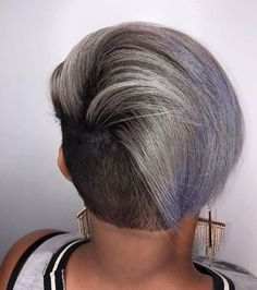 Love this edgy cut by @shanelthehairstylist ✂️and color by @roxiirock_hair ❤️ #nycstylist #undercut #haircolor #voiceofhair ========================== Go to VoiceOfHair.com ========================= Find hairstyles and hair tips! =========================