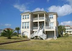 Gulf Shores, AL: Island Rayz II is a beautiful 5 bedroom, 4.5 bath multi-level Gulf Shores beach home located in Laguna Key Subdivision on Little Lagoon. Approximately...