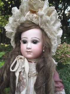 Antique French EMILE JUMEAU Portrait Bebe Doll , Size 10 ! A very special Bébé**