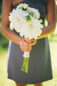 simple bridesmaid bouquet with big flowers line this