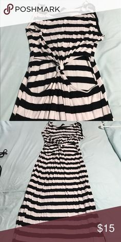 Maxi dress Black and white striped maxi dress with cut out for stomach and splits on both sides Dresses Maxi