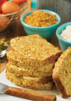 Coconut Carrot Bread | This gluten free homemade bread recipe tastes like a carrot cake!
