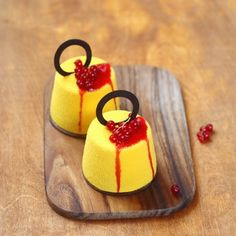 "Contemporary ""Manjari Orange"" Mousse Cakes (in Russian and Portuguese)"