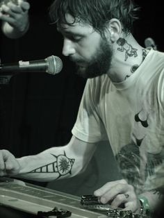 Band of Horses front man Ben Bridwell Music Is My Escape, Music Love, Music Is Life, Rock Music, My Music, Band Of Horses, Music Express, Beard Love, Concert