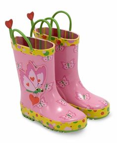 Keep your child's feet dry even when she's splashing through puddles with these pink Bella Butterfly boots. Made of durable rubber, these boots have comfy linings and handles for easy on-and-off dressing!