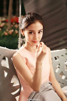 White slave boy for Chinese Princess Beautiful Asian Women, Beautiful People, Place Of Birth, Beautiful Girl Wallpaper, Prity Girl, Angelababy, Good Looking Women, Cute Beauty, Chinese Actress