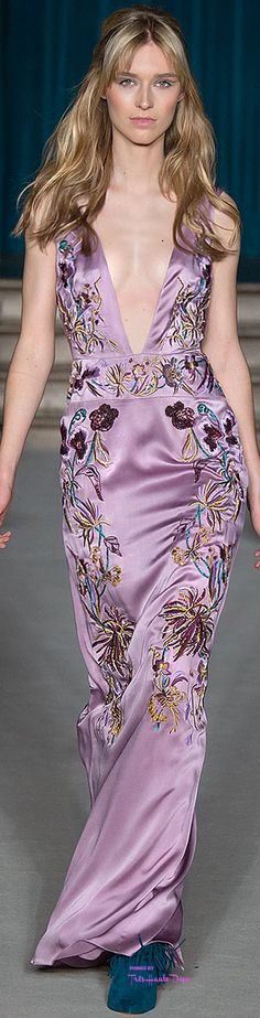 Matthew Williamson Fall/Winter Ready To Wear Couture Fashion, Runway Fashion, High Fashion, Fashion Trends, Armani Prive, Elie Saab, Best Gowns, Fiestas Party, Purple Stuff