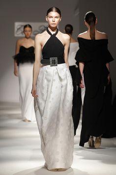 Tot-hom_SS16 #tothom #tot-hom #altacostura #modamujer #moda #fashion #desfile #ss16 #Barcelona #tendencia #model #vestidos #desfiletothom Ss16, Tot Hom, Resort Casual Wear, Beautiful Outfits, Must Haves, Zen, Fashion Beauty, Barcelona, Kids Fashion