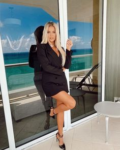 Khloe Kardashian Outfits, Koko Kardashian, Estilo Kardashian, Kardashian Jenner, Kylie Jenner, Fendi, Star Fashion, Blonde Hair, Celebs