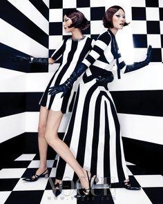 'Mono Clone' Young Joo Jung by Jang Hyun Hong for Vogue Korea February 2013 [Editorial] Black And White Design, Black White Fashion, Black White Stripes, Black Mode, Moda Retro, Diva Design, Vogue Korea, Op Art, Stripes Fashion