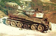 """Ed Okun """"Modeling Military History"""": Syrian Army Golan Heights, Six Day War 1967 Tank Warfare, Naher Osten, Diorama, Syrian Civil War, T 34, Military Armor, Military Modelling, Ww2 Tanks, Historical Images"""