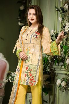 Latest Summer Kurti Designs 2020 Collection for Women in Pakistan Beautiful Dress Designs, Beautiful Dresses For Women, Pakistani Designer Suits, Pakistani Dress Design, Girls Frock Design, Pakistani Dresses Casual, Pakistan Fashion, Frocks For Girls, Dress Collection
