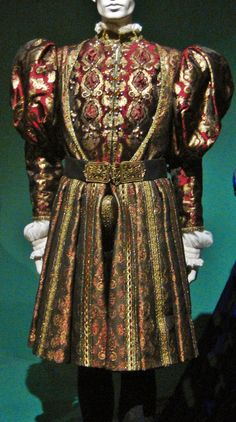 Henry VIII's Red and Golden Costume (The Other Boleyn Girl, The Effective Pictures We Offer You About Historical Fashion A quality picture can tell you many things. You can find the most Costume Renaissance, Renaissance Mode, Medieval Costume, Renaissance Fashion, Renaissance Clothing, Historical Clothing, Elizabethan Fashion, Tudor Fashion, Royal Fashion