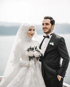 Hijab Wedding: Likes, 9 Comments – Celal Canik ( … – Best Of Likes Share Muslim Wedding Gown, Hijabi Wedding, Kebaya Wedding, Muslimah Wedding Dress, Muslim Wedding Dresses, Muslim Brides, Muslim Couples, Wedding Poses, Wedding Photoshoot
