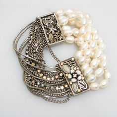 love this anchor bracelet bracelet-fashion bracelets-luxury bracelets-wedding bracelets-diamond bracelets vinta. Pearl Jewelry, Diy Jewelry, Beaded Jewelry, Vintage Jewelry, Jewelry Accessories, Jewelry Design, Jewelry Making, Beaded Bracelets, Wedding Bracelets