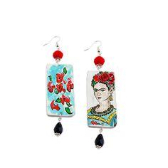 La Forza, la Virilità e la passione di Frida kahlo su preziosi orecchini dipinti a mano firmati Arte Lisanti. #artelisanti #madeinitaly #fridakahlo #artigianato #orecchini