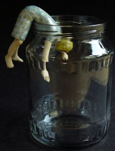 Confines 12 (2008, 12 cm) - Elizabeth Price