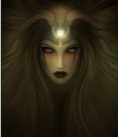 HÉCATE - Deusa do lado escuro da lua, das encruzilhadas,.entradas, fogo, luz, a lua, magia, bruxaria, o conhecimento de ervas e plantas venenosas, necromancia e feitiçaria. Geralmente representada segurando duas tochas ou uma chave, e em períodos mais recentes na forma tripla. Ela reinava sobre a terra, mar e céu, bem como possuía um papel universal de salvadora (Soteira), Mãe dos Anjos e a Alma do Mundo Cósmico. Astéria e Perses são os pais de Hécate.